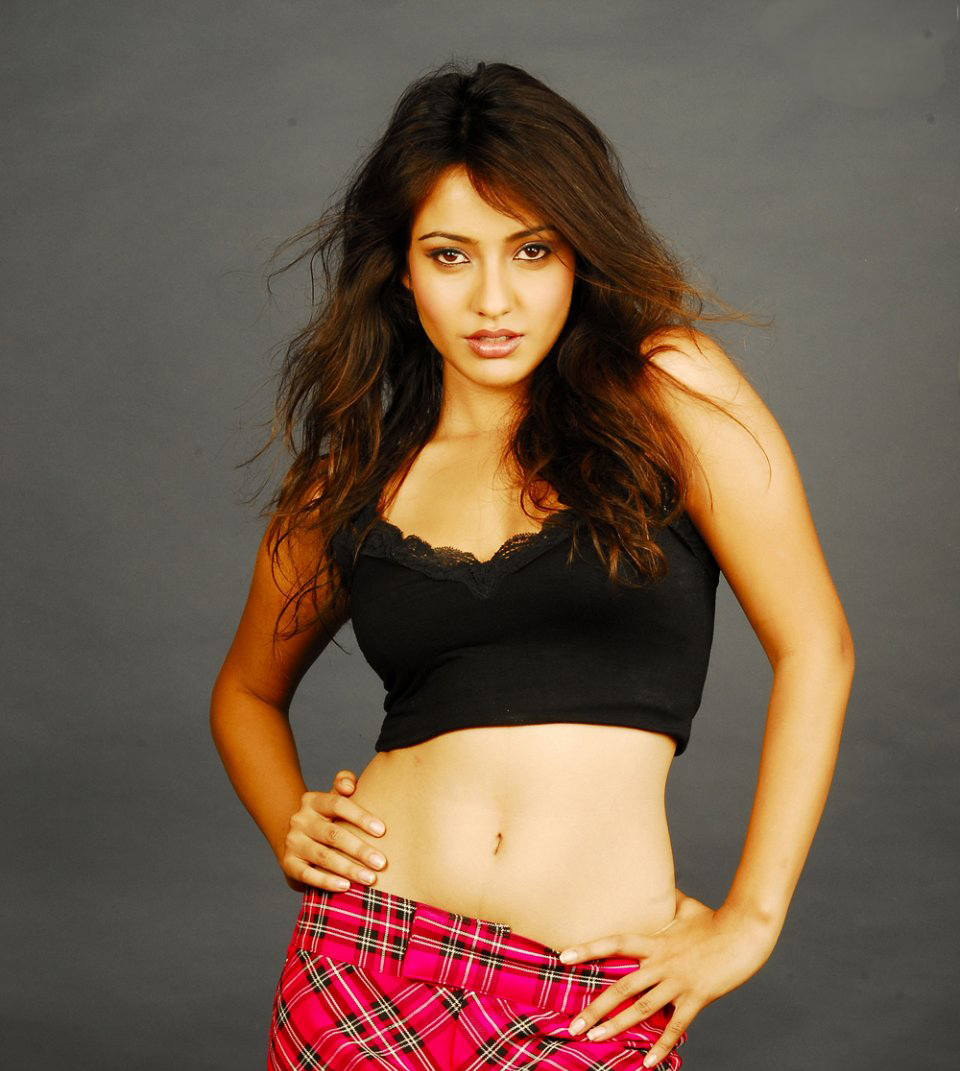 Neha Sharma Hot And Sexy Actress - Hot bollywood and hollywood actress ... Shefali Sharma Hot