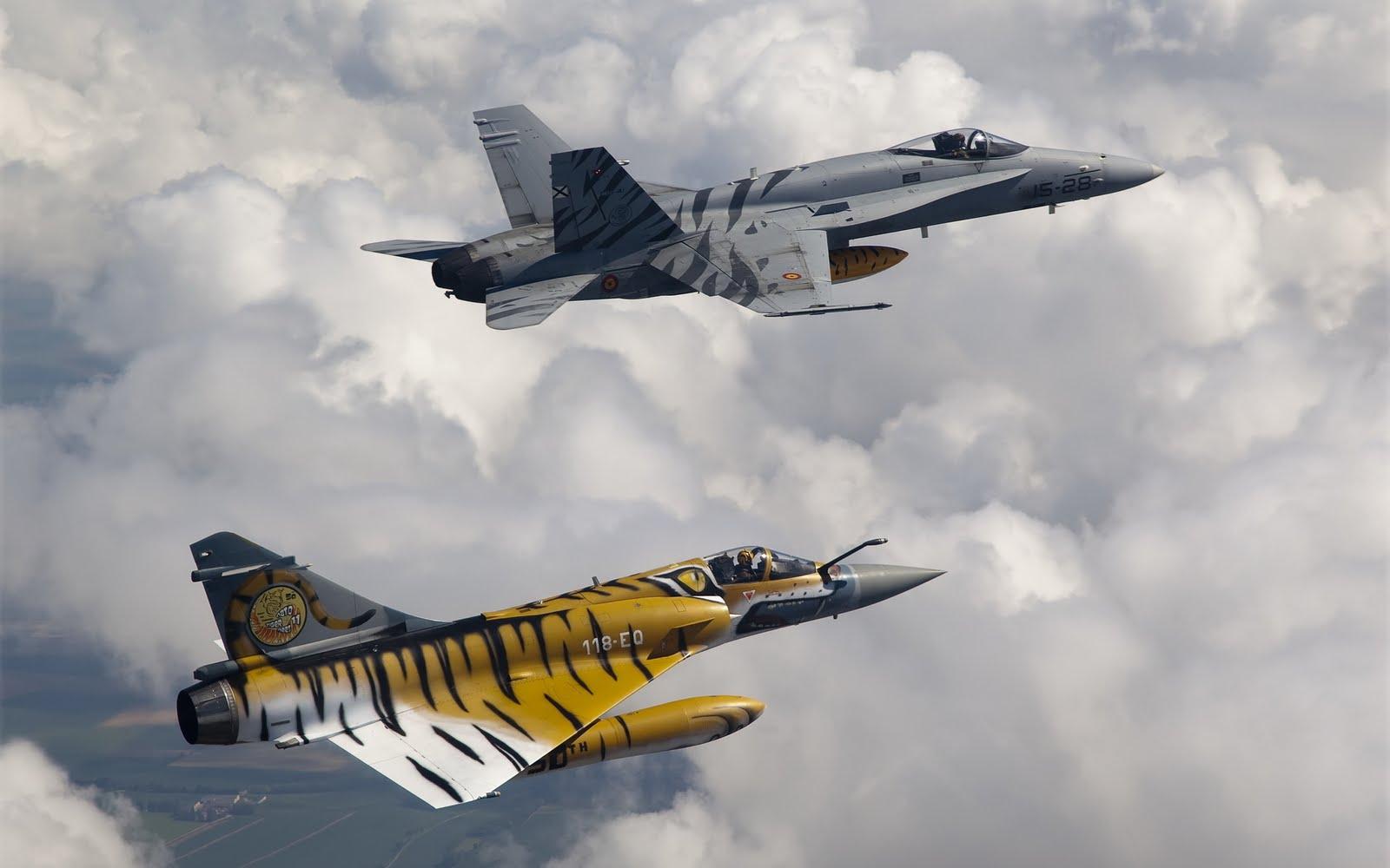 http://4.bp.blogspot.com/-dr6Gx9Nu0BE/Tvvhe_3fV4I/AAAAAAAABKA/ut4tody-gwA/s1600/aircraft-wallpaper-Soppeng.Com.jpg