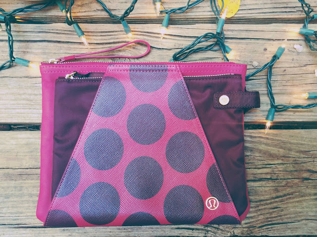 lululemon-in-the-present-pouch