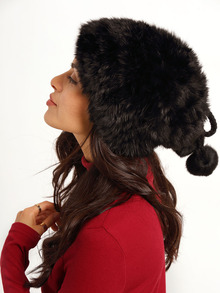www.shein.com/Black-Twisted-Ball-Rabbit-Fur-Hat-p-251147-cat-1772.html?aff_id=2525
