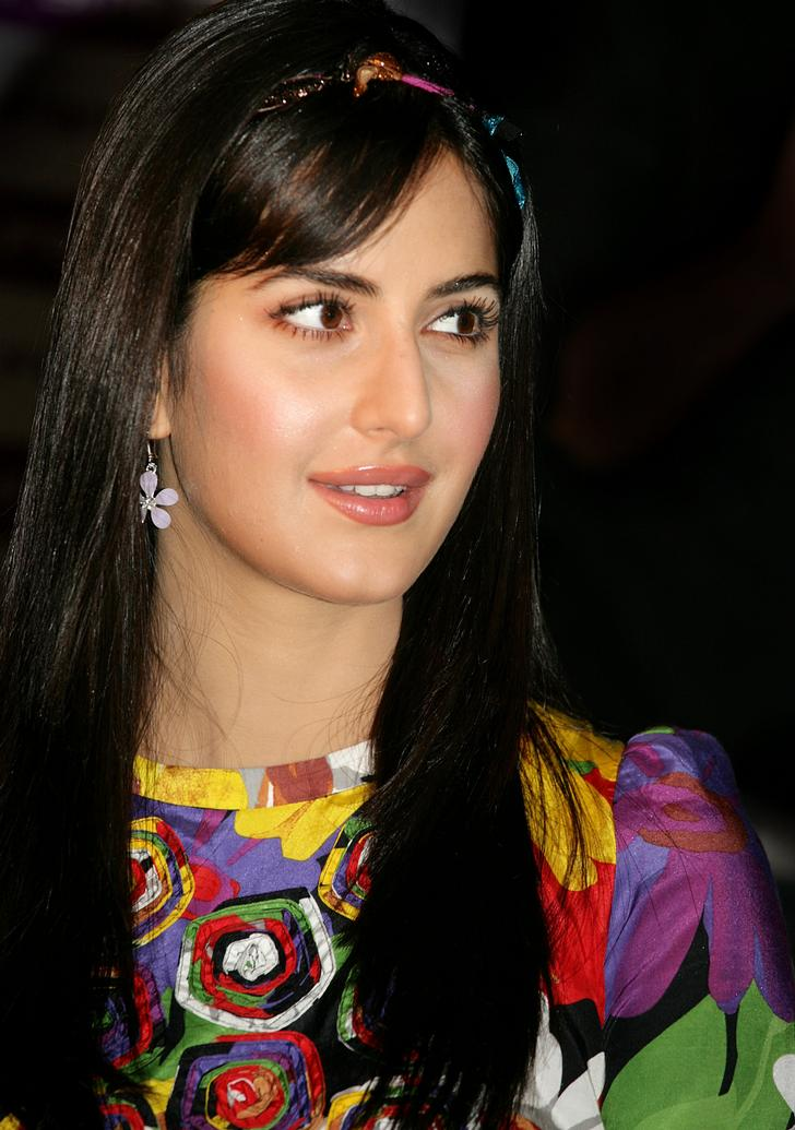 Katrina-Kaif-Cute-Wallpaper.jpg