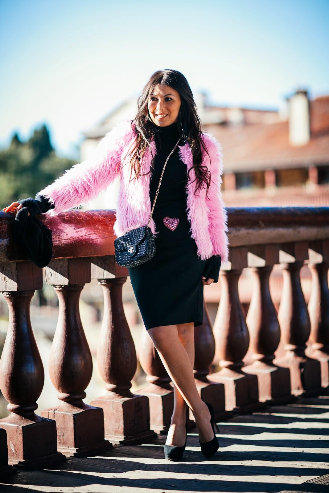 http://www.oasap.com/coats-jackets/48227-vintage-pink-faux-fur-coat.html/?fuid=235465