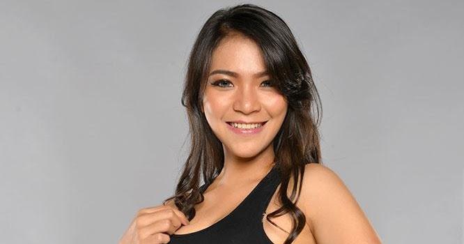 Vinny Lyna Finalis Miss Popular Batch  Photoshoot Model Galeri Photo Hot Indonesian Photoshoot Model
