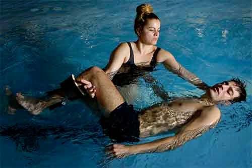 agua y masajes se combinan en el watsu