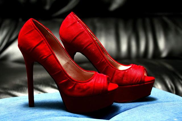 Maravillosos zapatos de novia | Colección Carolina Herrera