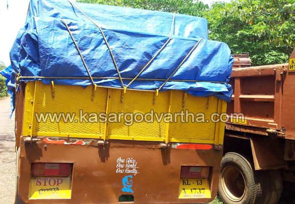 Sand-Lorry, Arrest, Chattanchal, Police, Custody, Kasaragod, Kerala, Kerala News, International News, National News.