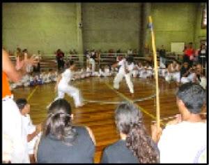 Oficinas do Contraturno: Capoeira