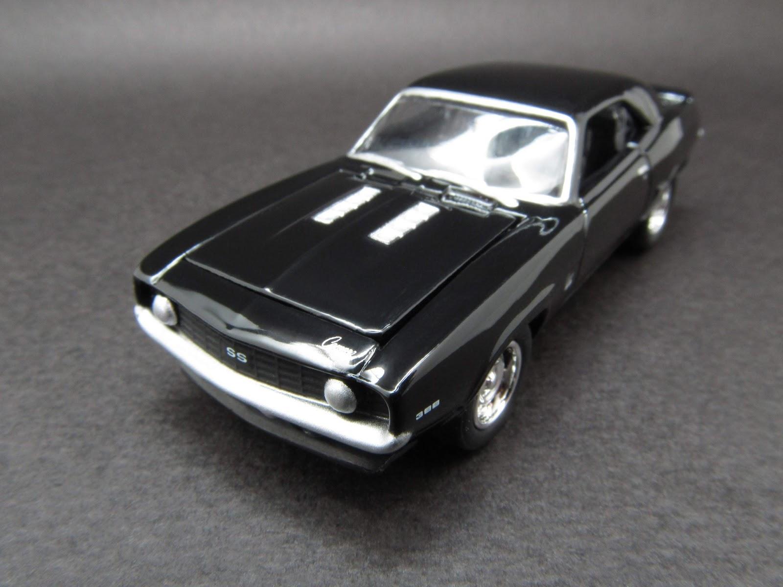 1:64 Johnny Lightning /'69 Chevy Camaro SS396