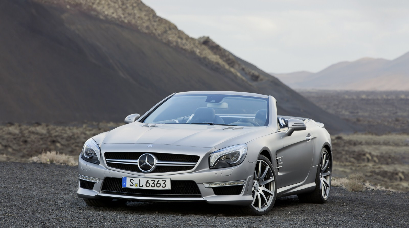 2012 mercedes benz sl63 amg convertible official garage car for Mercedes benz sl coupe