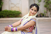 Actress Sony looking Gorgeous in Saree-thumbnail-12