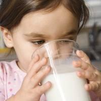 susu, menyusui, minum susu, kempong, bayi, ASI, susu anak, Penyebab Berkurangnya Produksi ASI Ibu