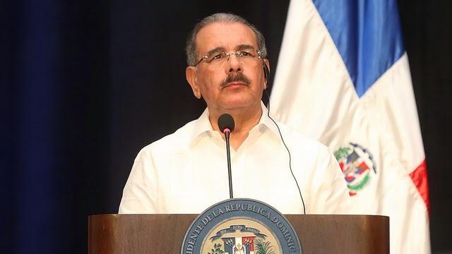Danilo Medina emite decreto crea reglamento de naturalización