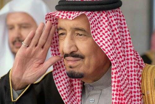 احتفاء بالألعاب النارية بعدن وترحيب جنوب اليمن بالتدخل العربي الخليجي.