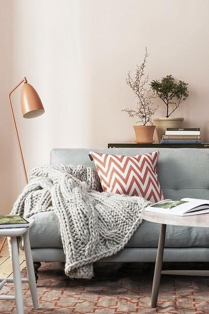 sofa gris manta lana