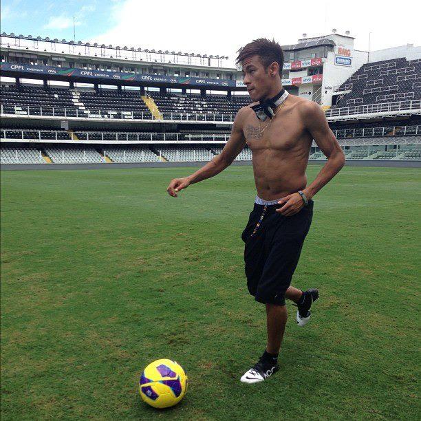 Image neymar shirtless again foot mind ball 90 minutes image neymar shirtless again voltagebd Images