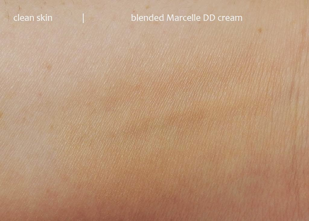 Marcelle DD Cream swatch light medium