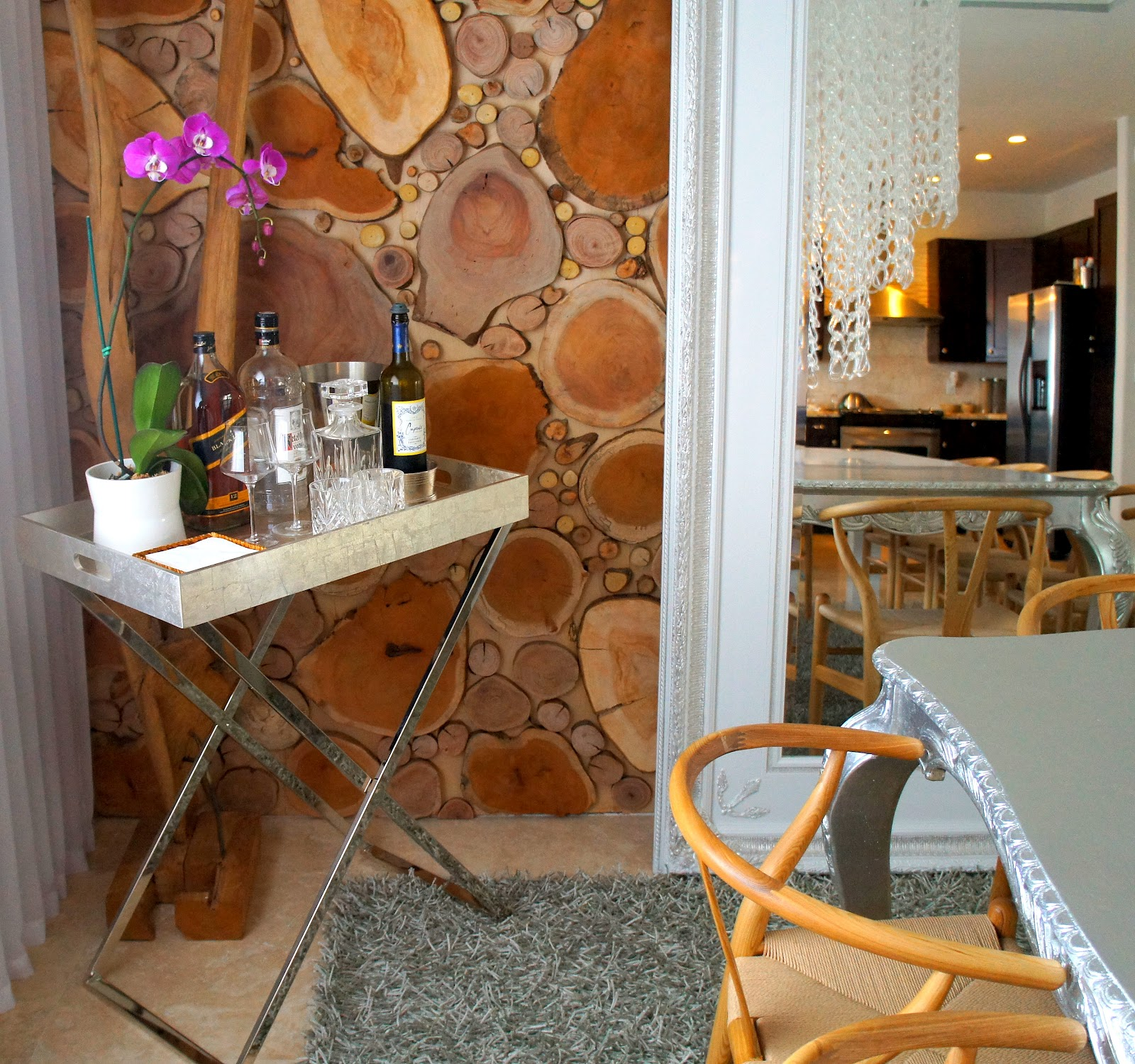 When Hosting A Party Or Simply Having Dinner How Nice Is It To Have A  Little Table Close By To Keep Your Bottles And Glasses On For Easy Access?