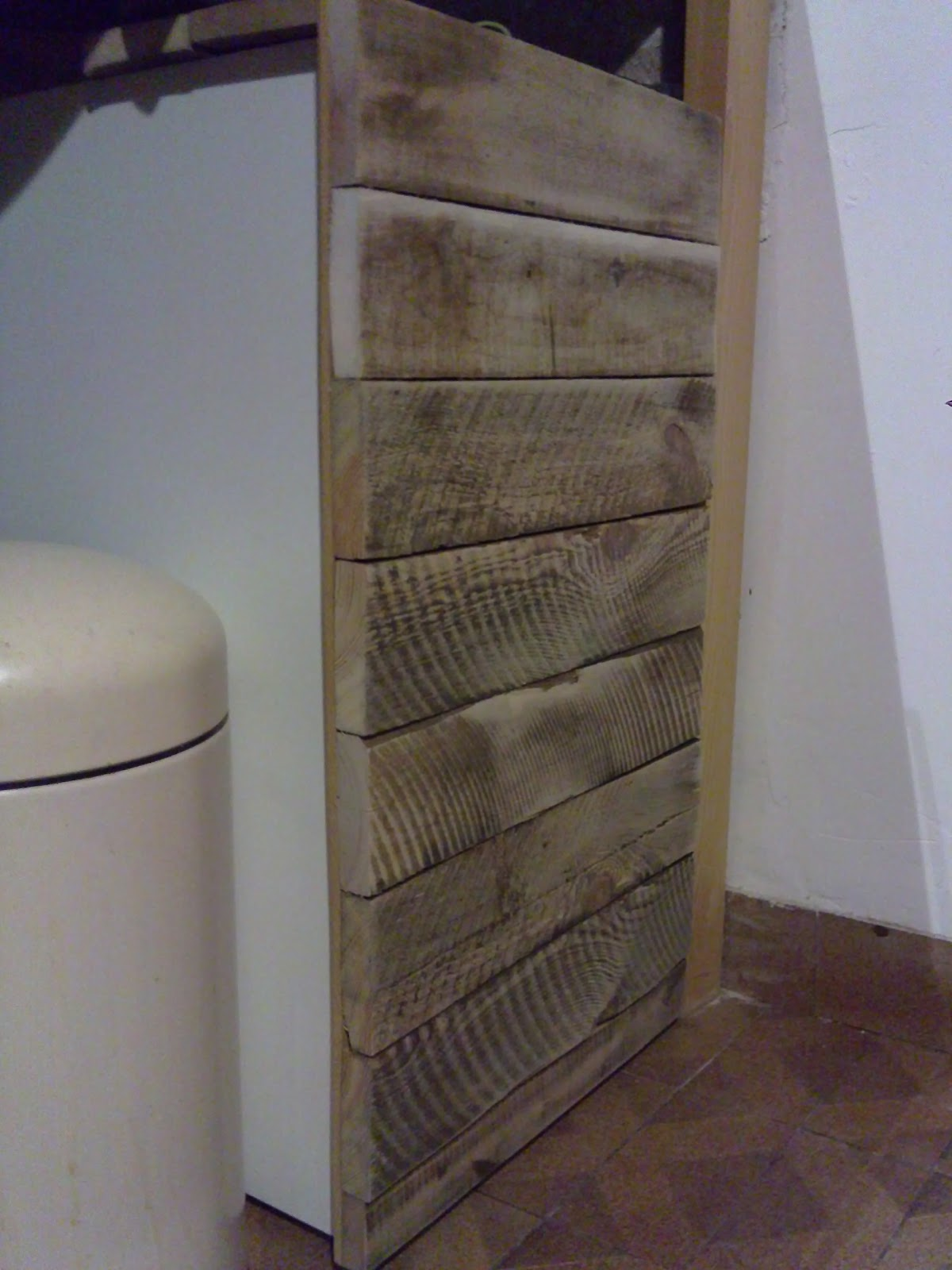 L 39 atelier de droverland un petit meuble sous un evier - Meuble cuisine en palette ...