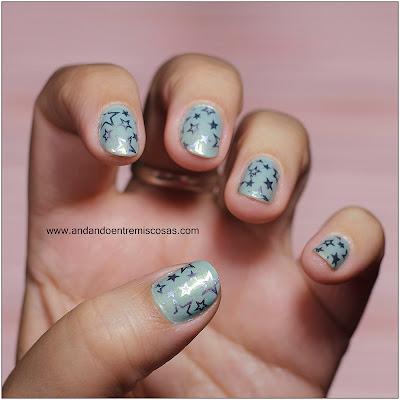 Manicura Azul Con Estrellas