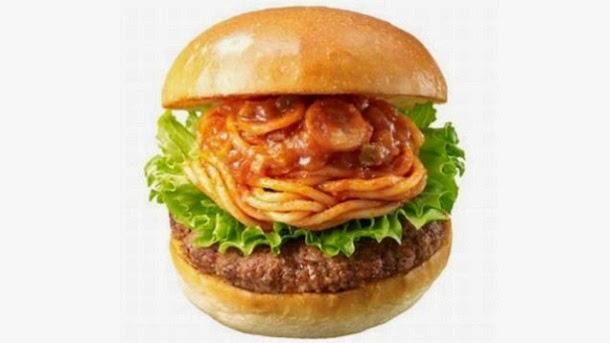 No Japão é possível comer hambúrguer de esparguete