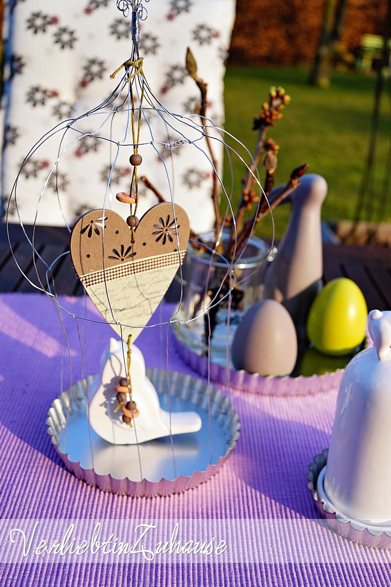 Vogelkäfig dekoriert für Ostern