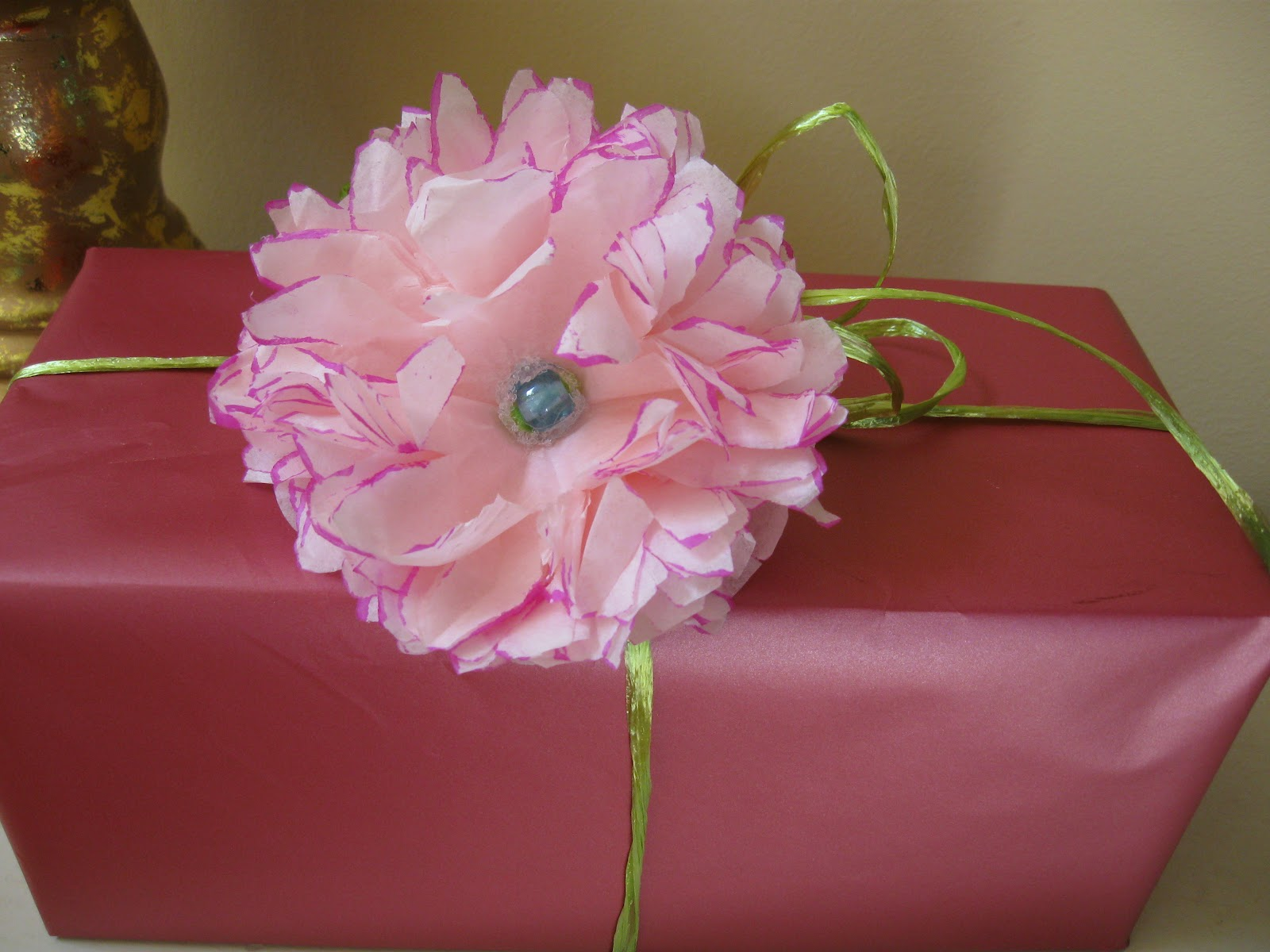 Craft klatch tissue paper flower with colored edge here is the tutorial on how to make the flowers mightylinksfo