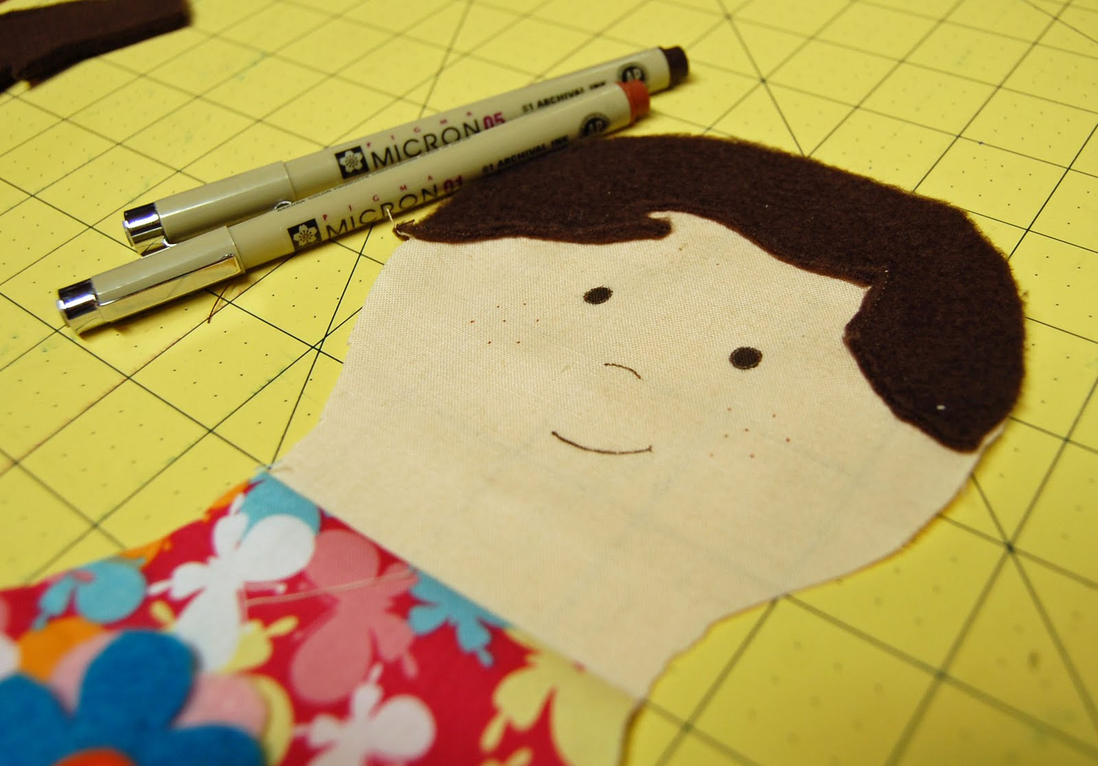 how to draw a doll face on fabric