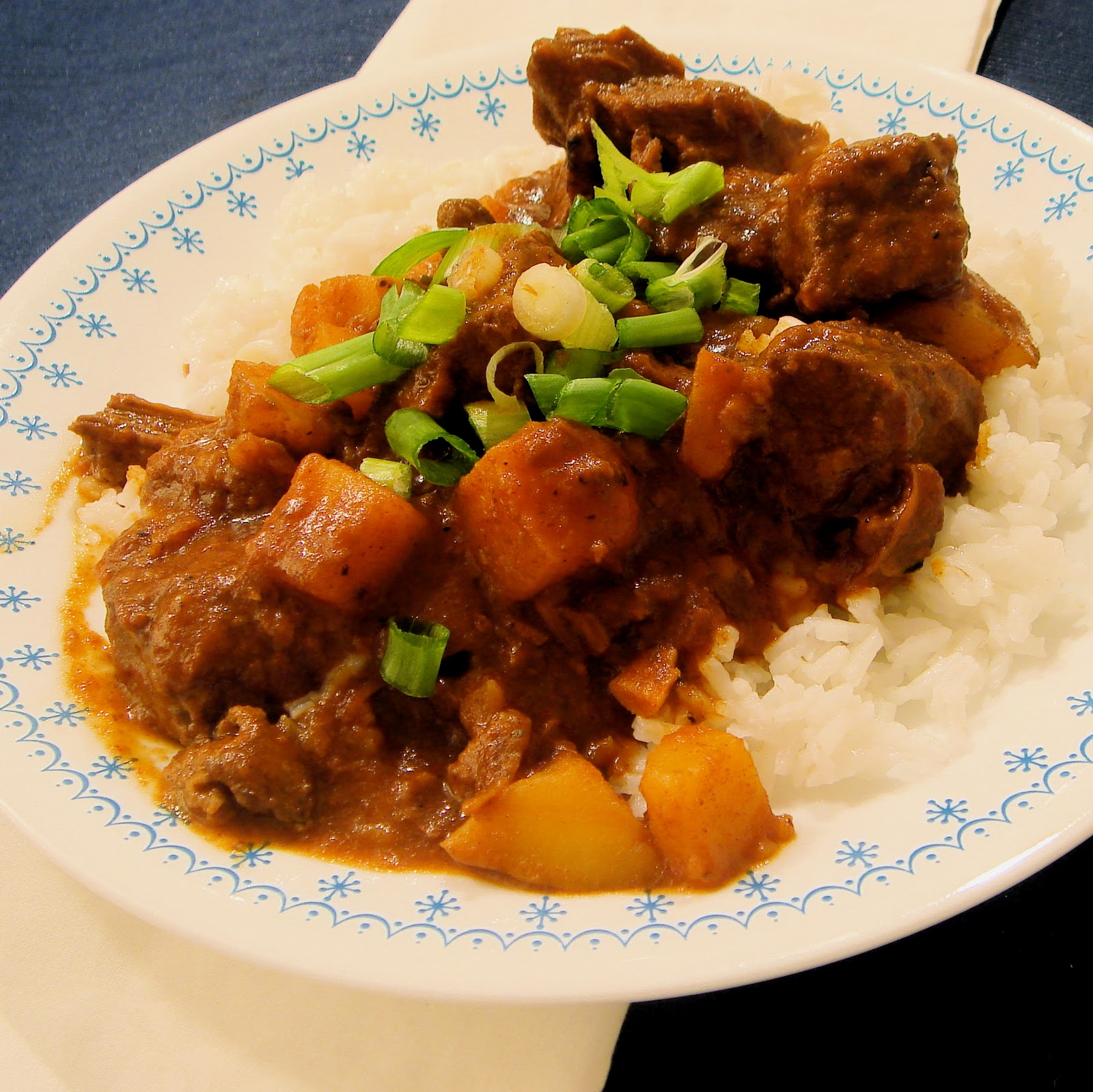 greenhorn gourmande: Beef Roast Transformed-Rendang Curry