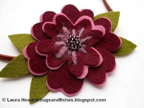 http://bugsandfishes.blogspot.co.uk/2011/05/how-to-felt-flower-hairband.html