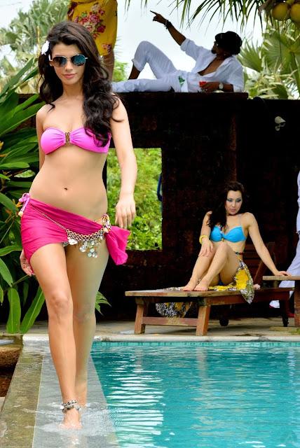 Gabriela Bertante hot photos