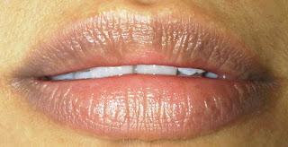 10 Bahan untuk Menghilangkan Lingkar Hitam di Sekitar Bibir
