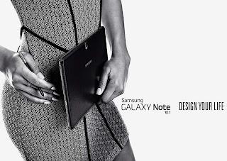 Business Female Back facing Print Horizontal WiFi