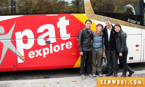 expat explore tour group photo