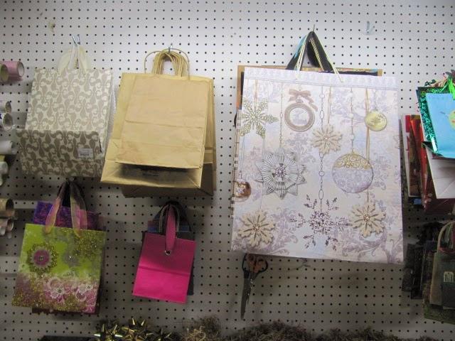 gift wrap center