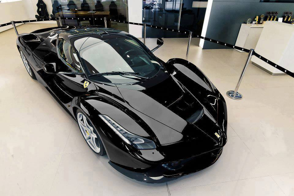 Laferrari In South Africa >> Photo: Black LaFerrari Looks Incredible!