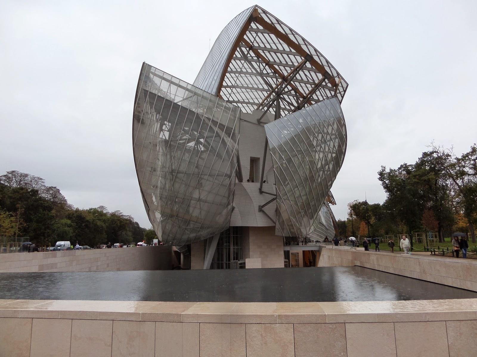 【日曜ルポ】シャンパンの泡味は有名無実か モエトシャンドンやヴィトン基金現代美術館を巡って
