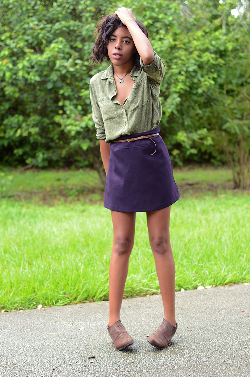 Miami Fashion Blogger Anais Alexandre of Down to Stars in a staring at stars top with a vintage skirt and matisse boots