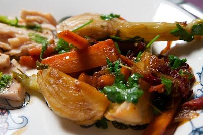 fenkolia, pekonia ja porkkanaa
