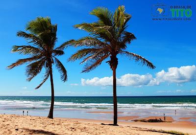 A primeira visão da Praia de Santo Antônio após sair do povoado