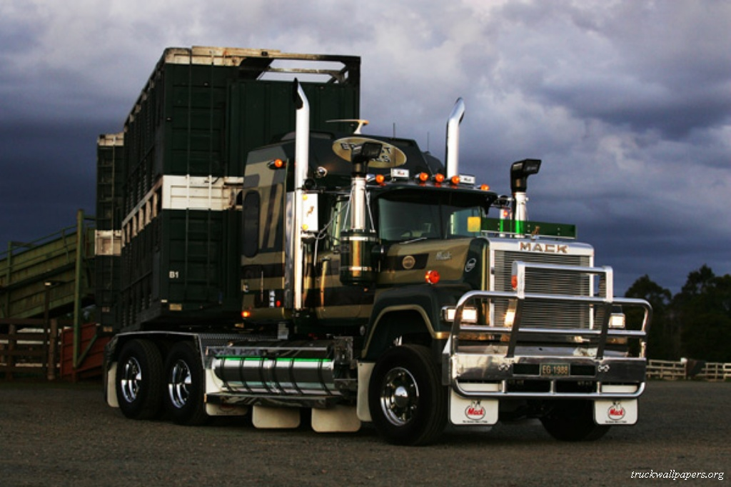 trucks wallpapers mack trucks. Black Bedroom Furniture Sets. Home Design Ideas