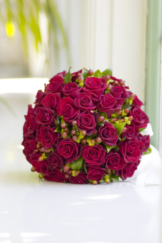 Maroon Wedding Flowers If The Ring Fits Wedding Flowers Winter