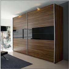 Pelbagai perabot idaman anda ada disini almari baju for Almari design in wall