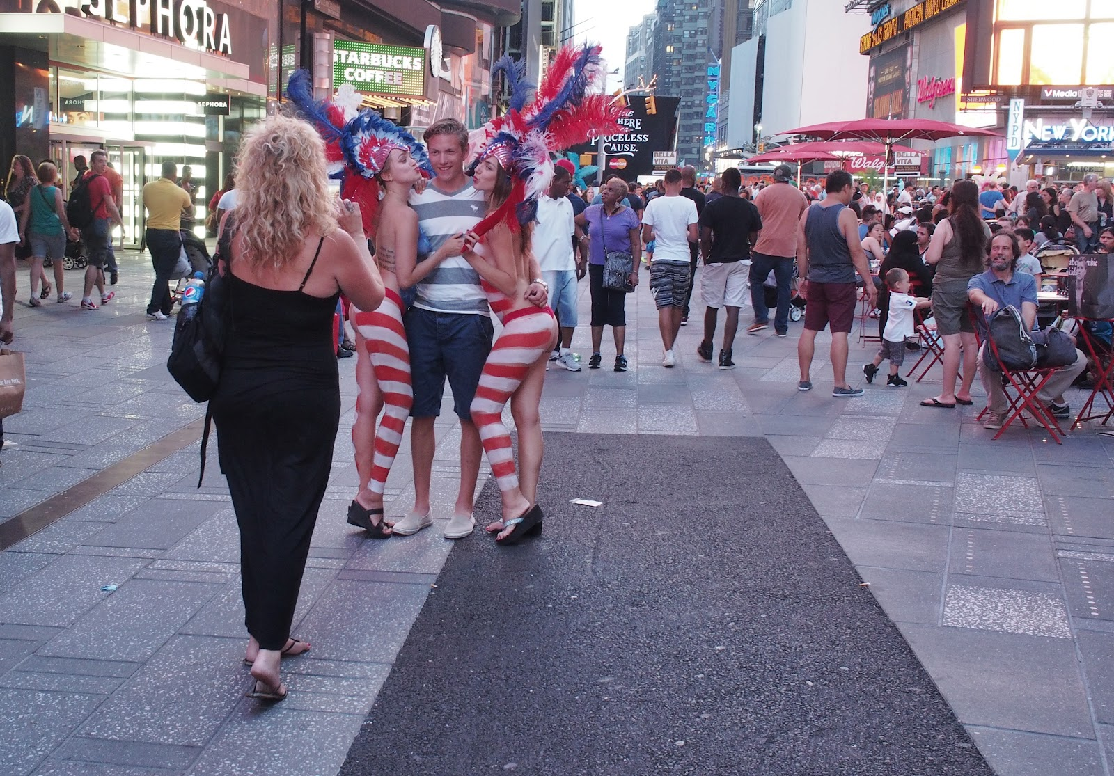 Body Paint #bodypaint #timessquare #nyc #americanflag #streetperformer #street  2013