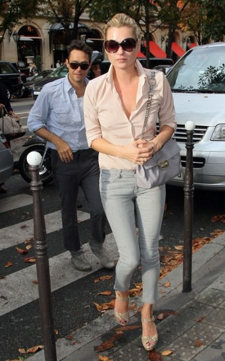Kate Moss stylish street style soft and neutral outfit