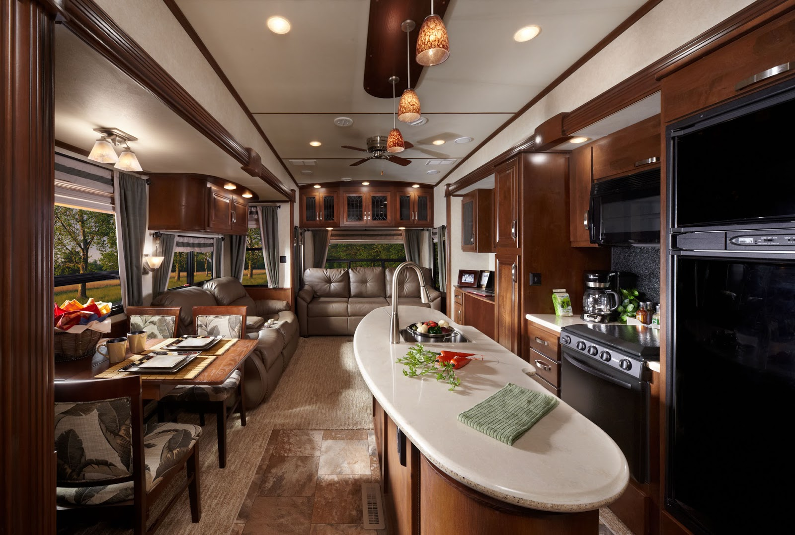 Rushmore Luxury 5th Wheel Trailers Pictures