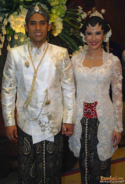 Lihat juga model kebaya pengantin muslim modern