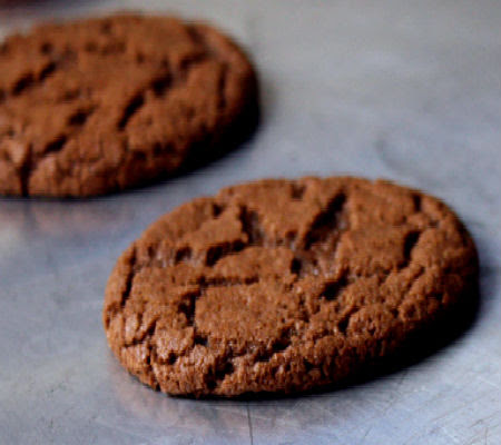 Spicy Chocolate Crackle Cookies