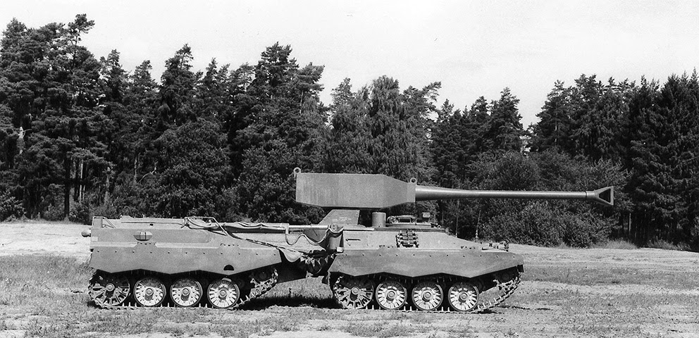 UDES XX20 Tank Destroyer Side View - Black & White