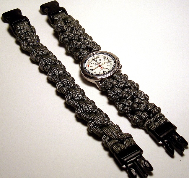 how to make a paracord bracelet knot