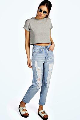 http://t.dgm-au.com/c/94523/30646/1136?u=http%3A%2F%2Fwww.boohoo.com%2Fnew-in%2Fsara-light-blue-large-rip-boyfriend-jeans%2Finvt%2Fazz10205